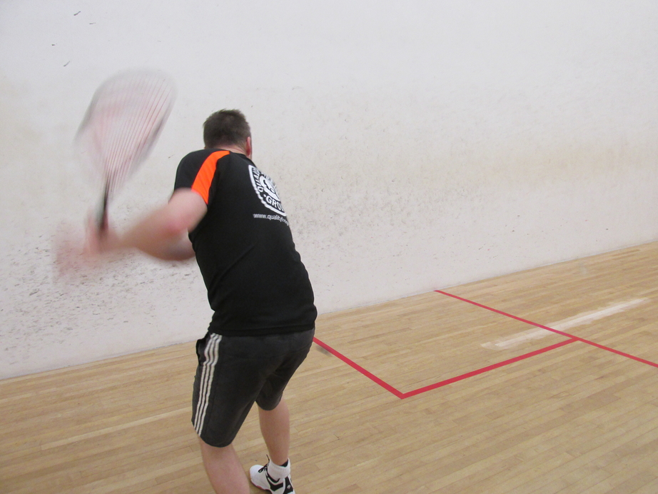 Does The Ball Have To Bounce In Squash